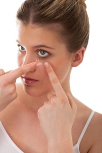 applying contact lens